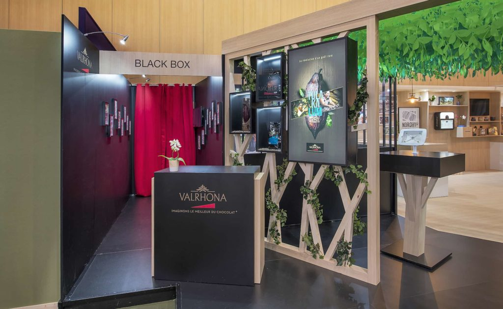 stand VALRHONA BLACK BOX salon SIRHA